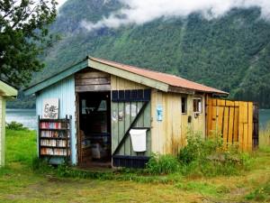 Fjærland - Ob Hytte oder Halle, Bücher gibt es hier (fast) überall