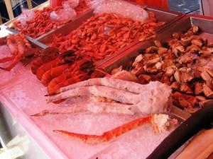 Reiche Auswahl auf dem Fischmarkt in Bergen