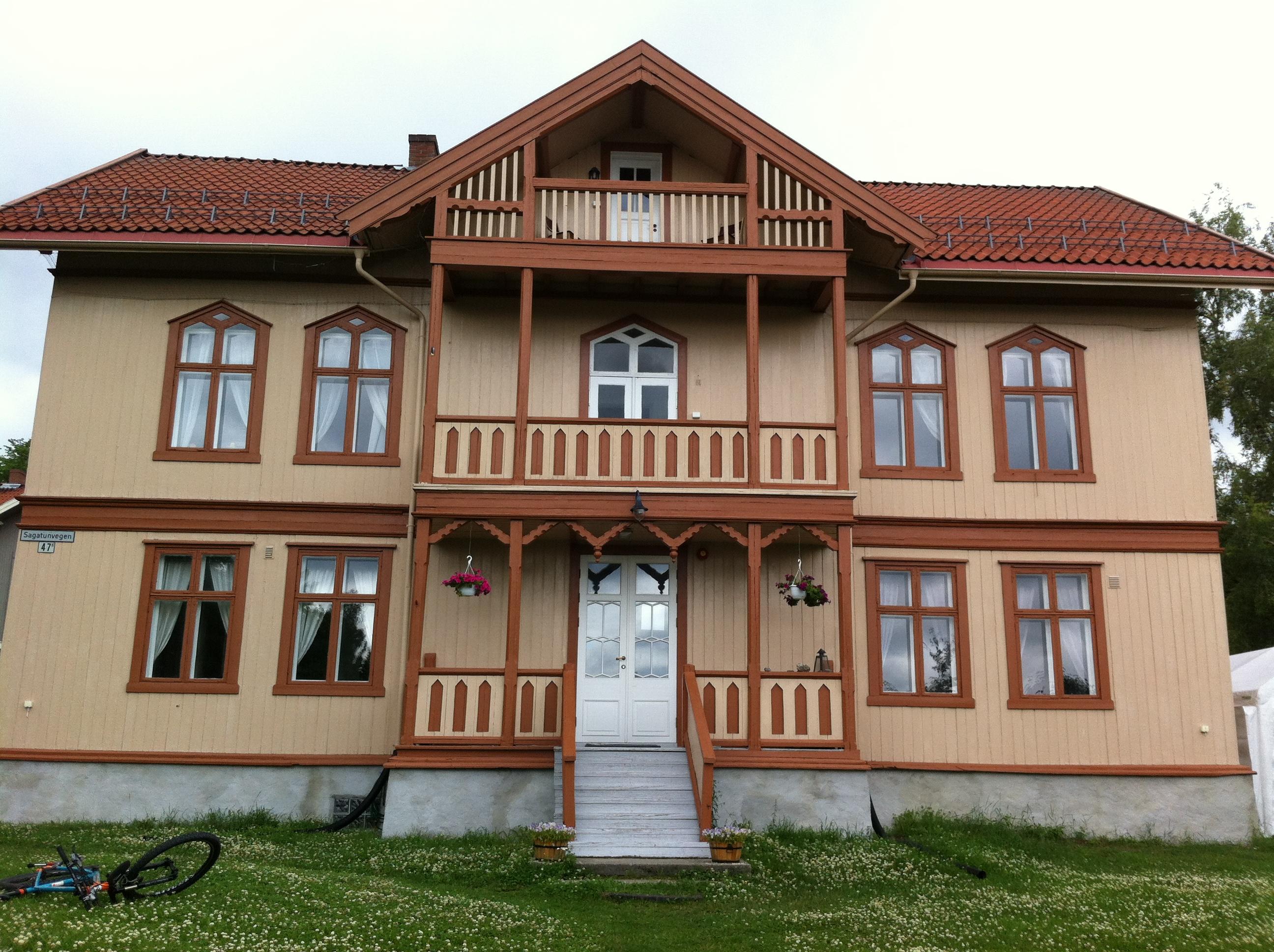 die norwegische seemannskirche in hamburg norwegenstube. Black Bedroom Furniture Sets. Home Design Ideas