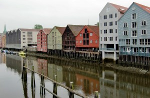 Lagerhäuser im Trondheimer Hafen