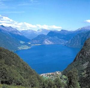 Blick von Kilsti auf den Norddalsfjorden
