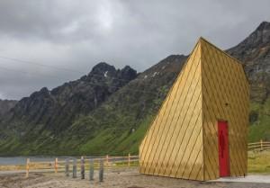 Viel Neues rings um die Norwegischen Landschaftsrouten: Toilette in Gold, Berghütte aus Glas, Karten auf Papier.